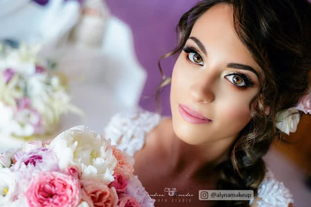Bridal Makeup Brunette with flowers