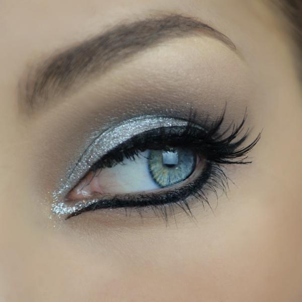 Pictorial - Eyeliner & Sparkle
