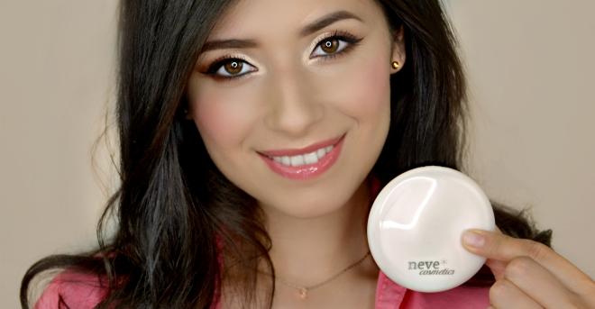 Alabaster Touch – la cipria ravvivante di Neve Cosmetics