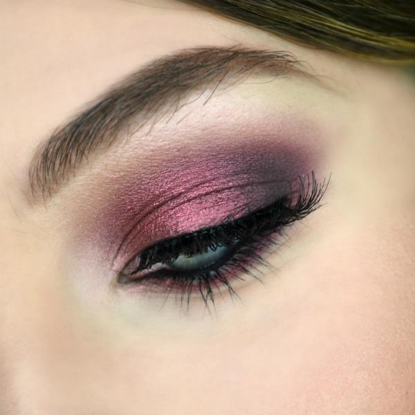makeup-smokyeyes-burgundy-bordeaux